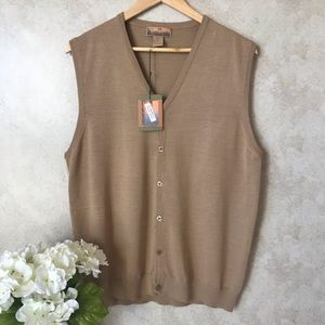Brand new Bobbie Chan button up tan vest w/tags